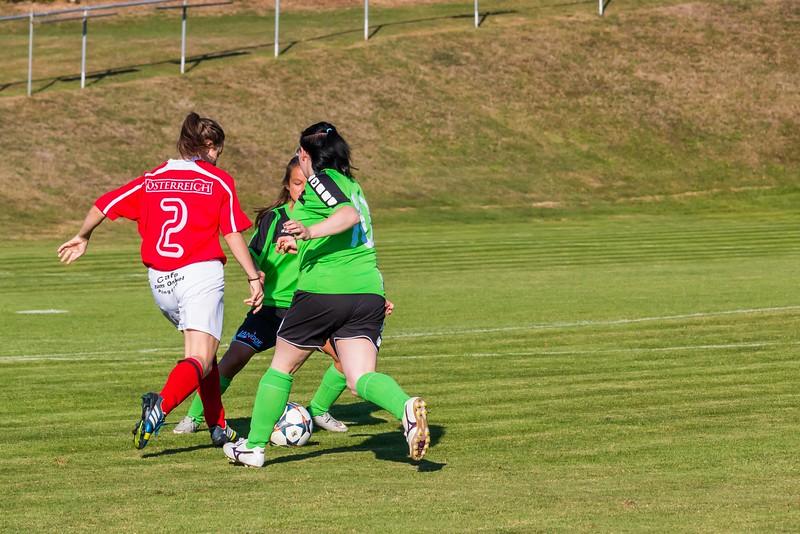 FC Pingau-Friedberg Damenmannschaft-3.JPG