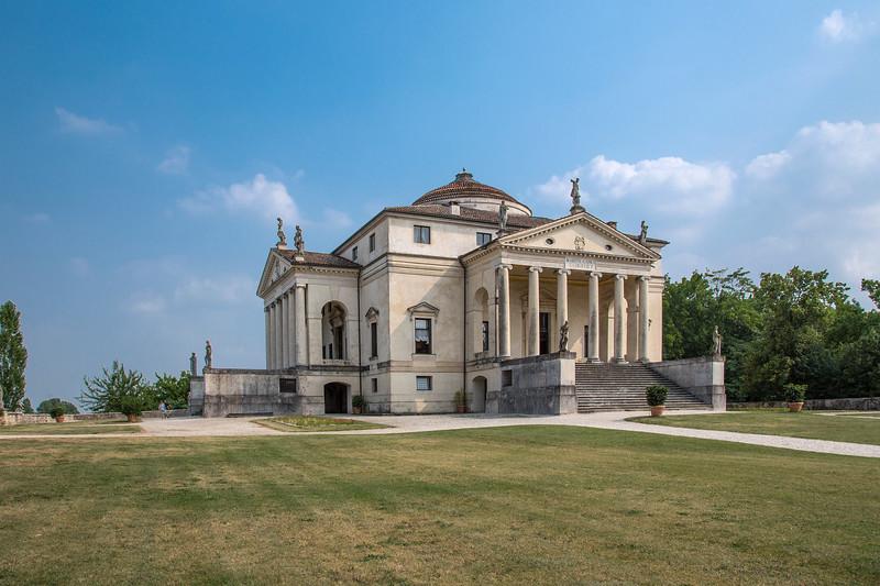 La Rotunda, Vicenza 3.jpg