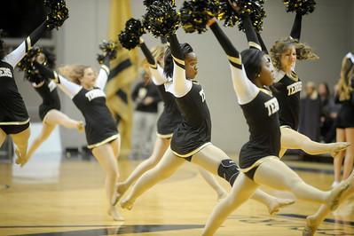Cheerleaders/Dancers