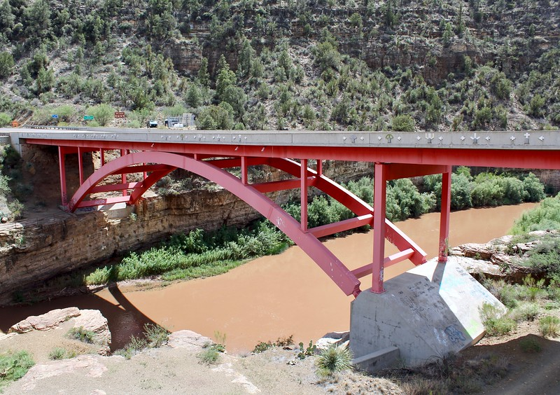 Modern Highway 60 bridge in Salt River Canyon (2018)