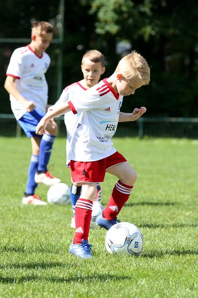 hsv_fussballschule-065_48048029112_o.jpg