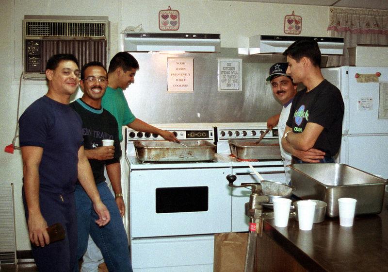 1992 09 20 - Supper at the Sunlight Inn 18.jpg