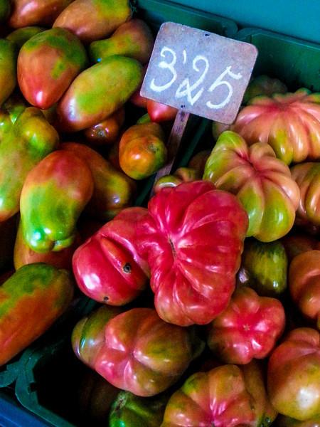 heirlook tomatoes.jpg