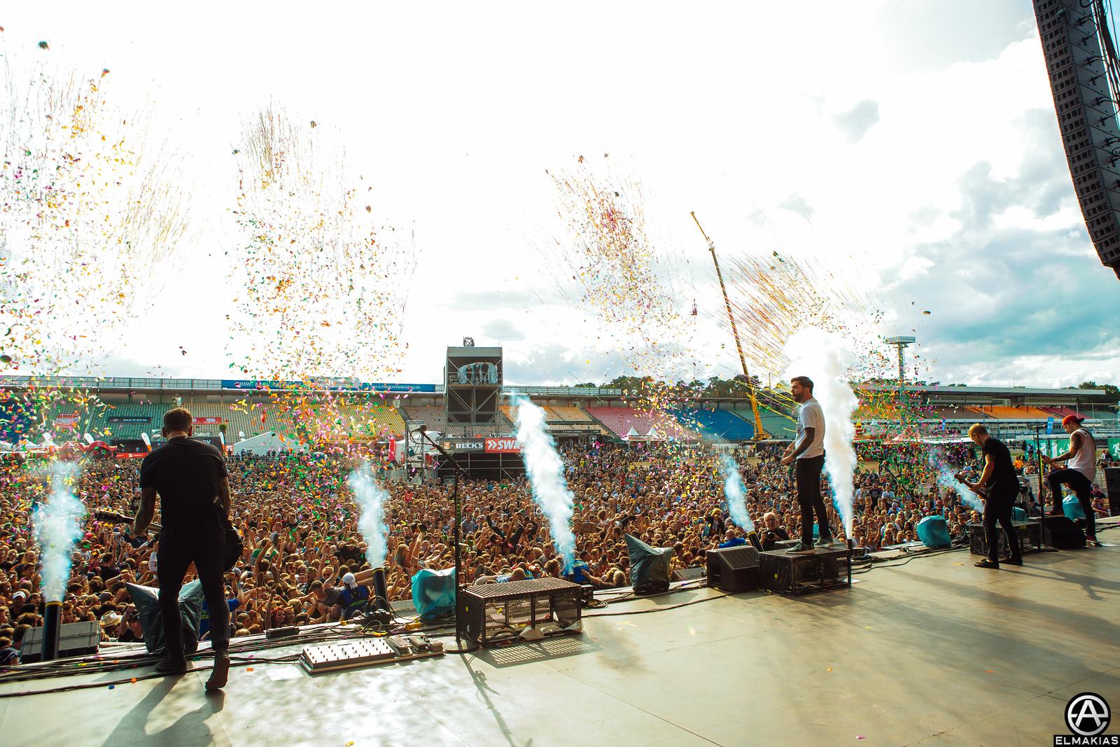 My favorite photos! Confetti shots
