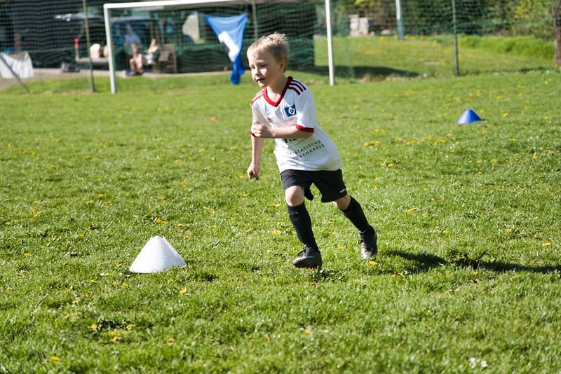 hsv-fussballschule---wochendendcamp-hannm-am-22-und-23042019-u50_40764451713_o.jpg