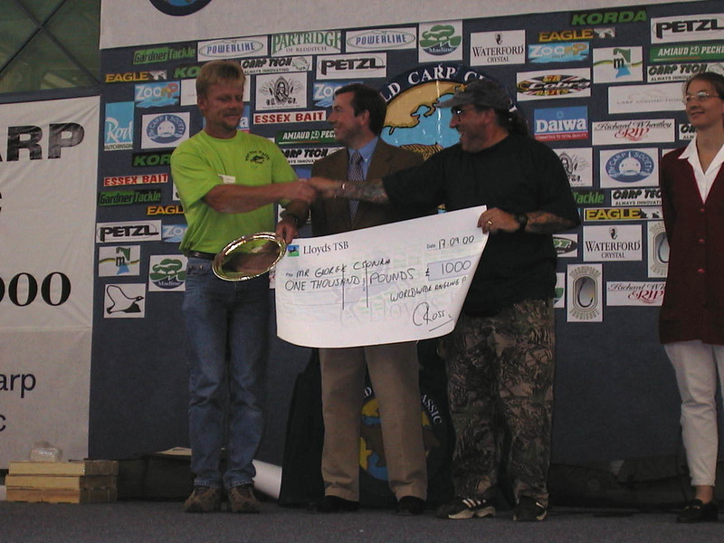 WCC00-prizegiv-Prize giving 7 - Biggest fish cheque