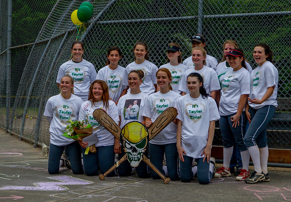 Vashon Island High School Fastpitch Seniors 2018