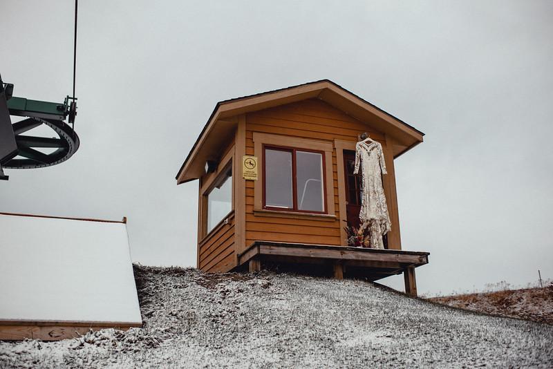 Requiem Images - Luxury Boho Winter Mountain Intimate Wedding - Seven Springs - Laurel Highlands - Blake Holly -39.jpg