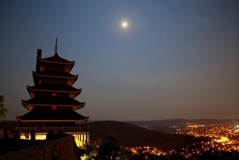 pagoda - overlooking the city 7-12-14(p).jpg