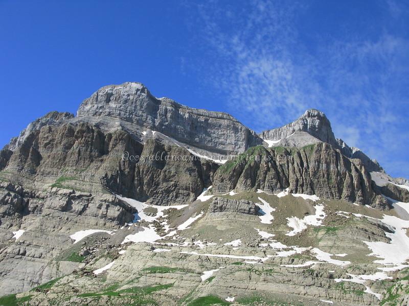 Pico de Sombrero 2562m and Pico de la Garganta de Aisa 2502m