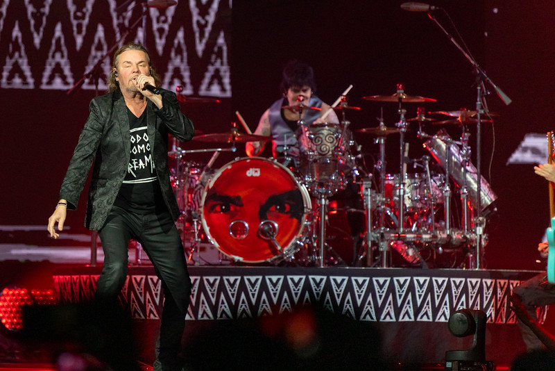 Mana at the Allstate Arena on October 11