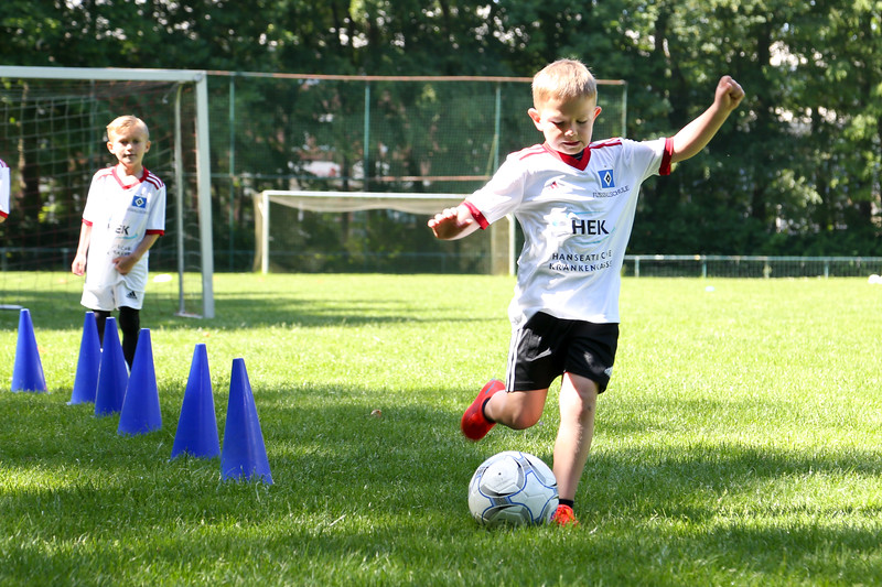 hsv_fussballschule-184_48048031697_o.jpg