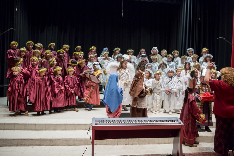 1st grade Christmas program (47 of 49).jpg