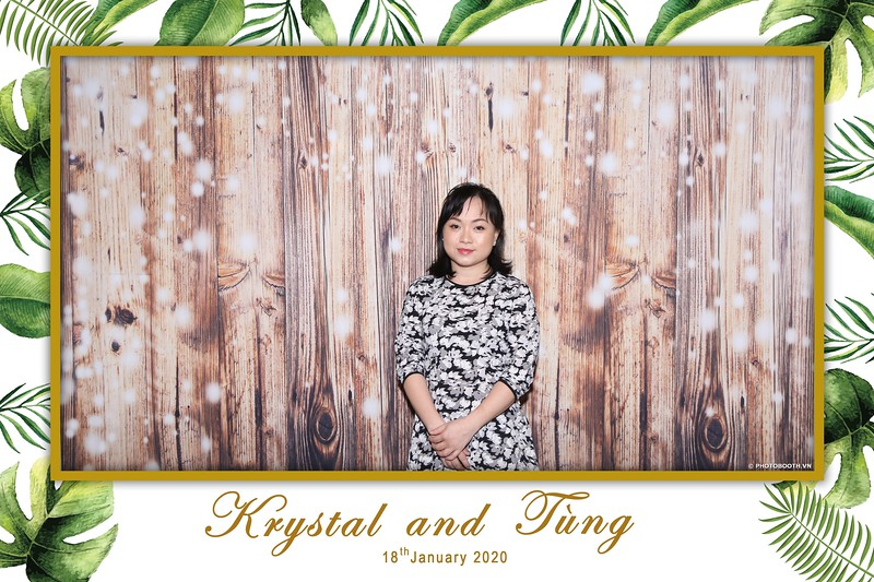 Krystal-Tung-wedding-instant-print-photo-booth-in-Ho-Chi-Minh-City-Chup-hinh-lay-lien-Tiec-cuoi-WefieBox-Photobooth-Vietnam-008.jpg