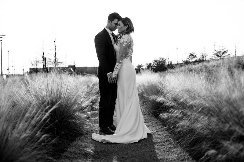 Kate&Josh_B&W_ZACH.WATHEN.PHOTOGRAPHER-450.jpg