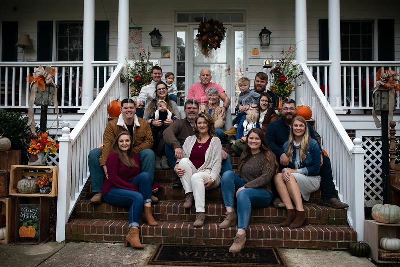 2019 November Ellis Family-39-258.jpg