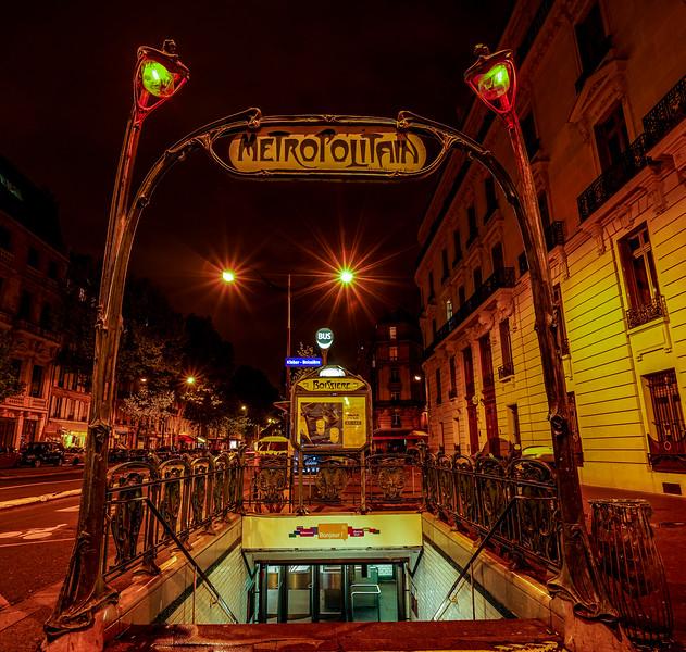 Enter the Metropolitain