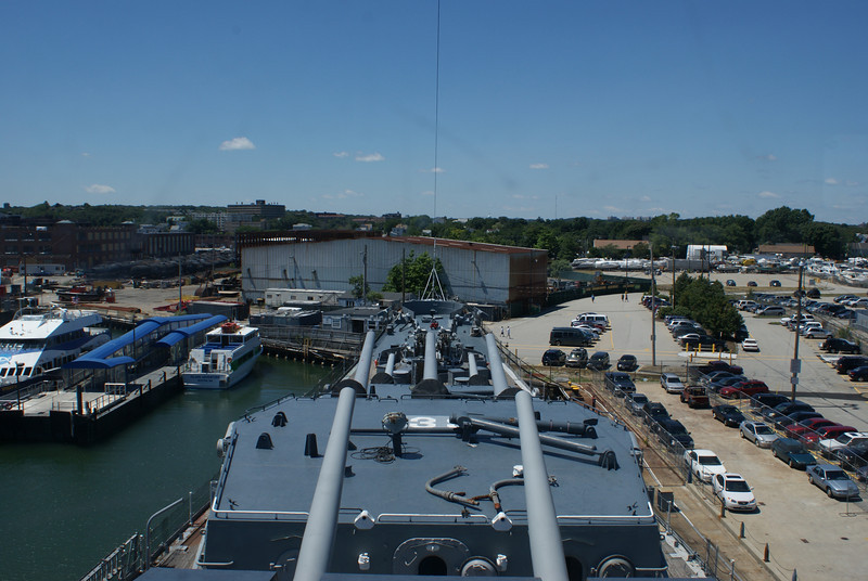 Captain's view: That warehouse is in for a lot of trouble if they ever decide to fire those cannons.