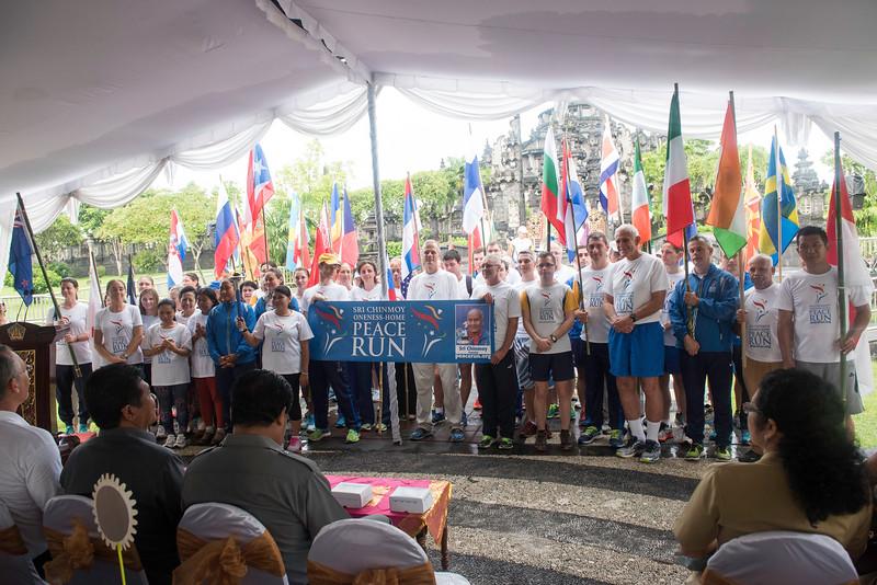 20170131_Peace Run Denpasar w_ViceGov_034.jpg