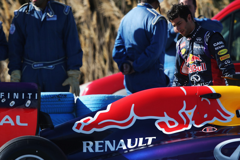 . Daniel Ricciardo of Australia and Infiniti Red Bull Racing has a car breakdown on his installation lap during day three of Formula One Winter Testing at the Circuito de Jerez on January 30, 2014 in Jerez de la Frontera, Spain.  (Photo by Mark Thompson/Getty Images)