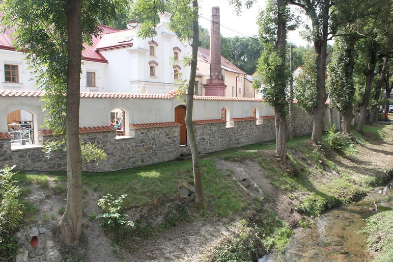 Family Restaurant Únětický Pivovar 1.4km IdyllicPrague