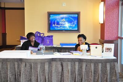 2010 Women's Retreat   Welcome Desk