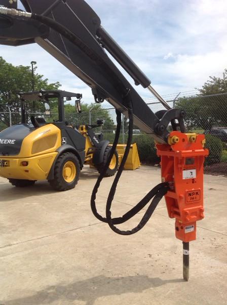 NPK PH1 hydraulic hammer on Deere mini excavator (2).JPG