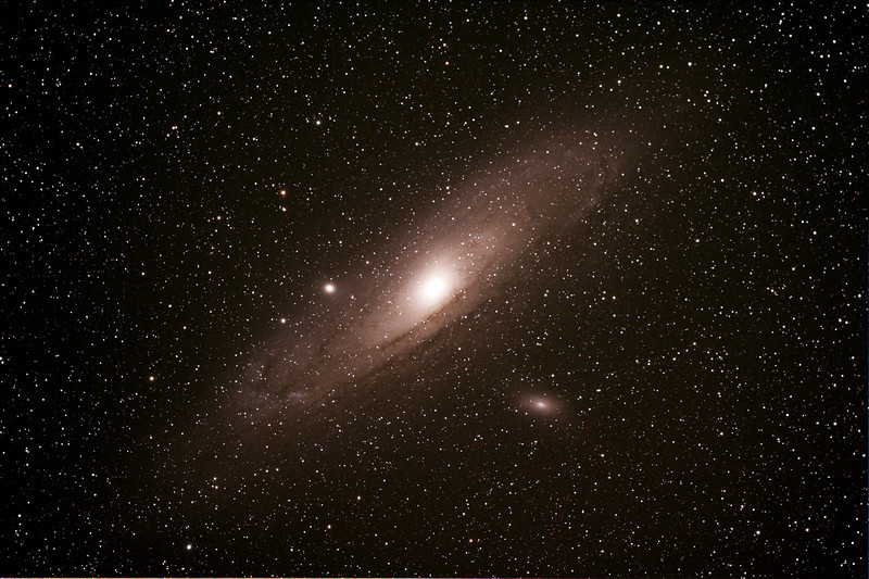 Messier M31 - NGC224 - Andromeda Galaxy with M110 and M32 satellite Galaxies - 30/11/2013  (Processed stack)