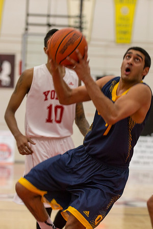 Men's Basketball - Queen's at York 20150117