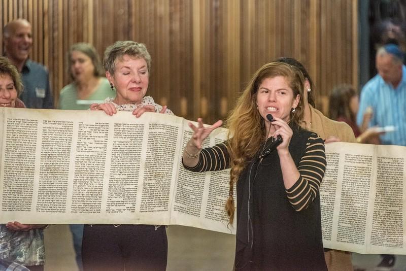 Simchat Torah-335.jpg
