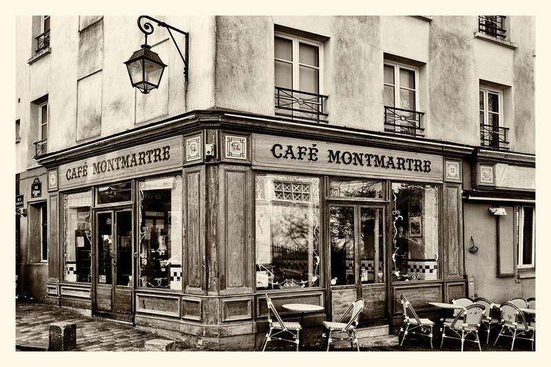 20150323_Montmartre_0121-BW.jpg