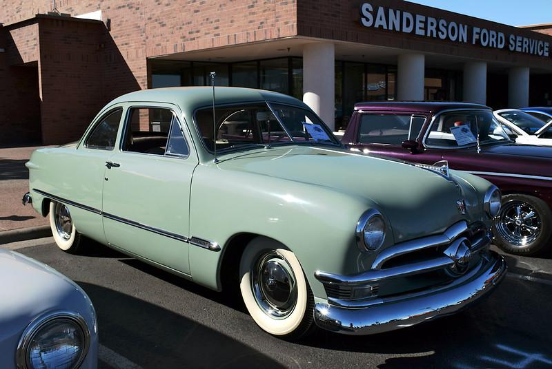 Ford 1950 ft rt.JPG