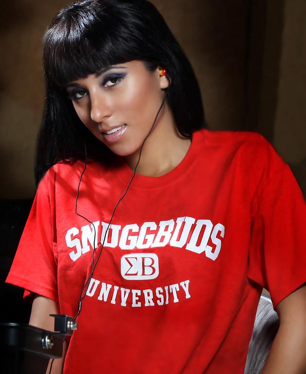 Snuggbuds - Brianna