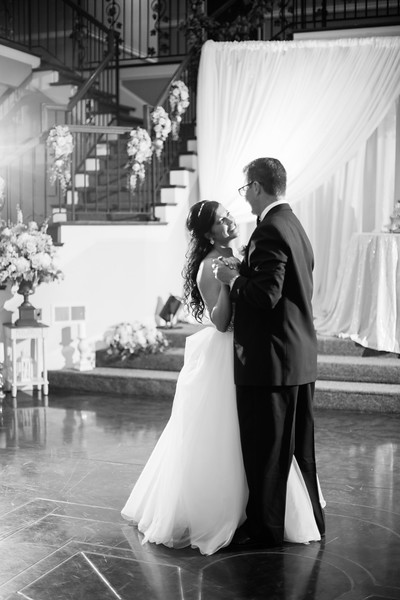 0903_Josh+Lindsey_WeddingBW.jpg