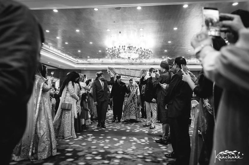 best-candid-wedding-photography-delhi-india-khachakk-studios_55.jpg