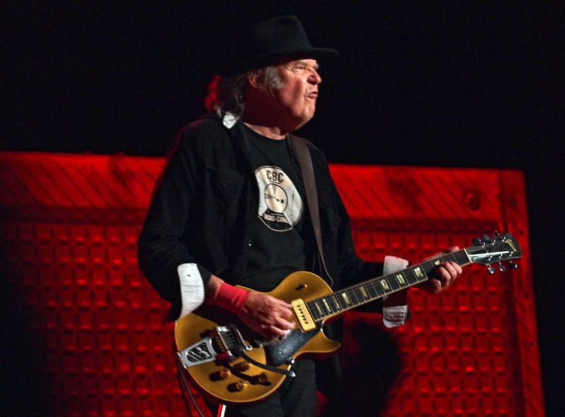 Neil Young & Crazy Horse 05-06-13 (28).jpg