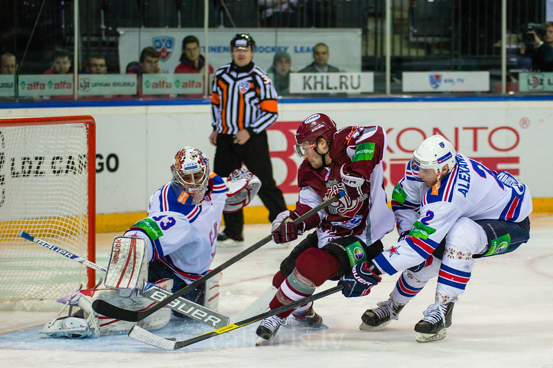 Goaltender of SKA Saint Petersburg Ezhov Ilya (33) saves the goal of Johnson Jamie (74)