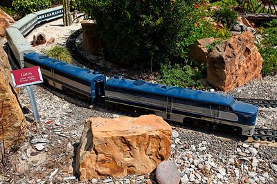 Clark Gardens Trains 09-08-09