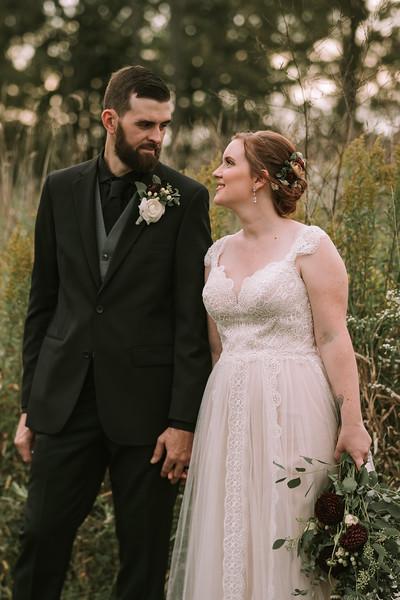 rustic_ohio__fall_barn_wedding-301.jpg