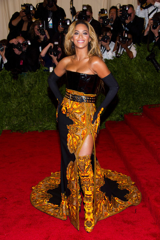 ". Beyonce attends The Metropolitan Museum of Art\'s Costume Institute benefit celebrating ""PUNK: Chaos to Couture\"" on Monday, May 6, 2013 in New York. (Photo by Charles Sykes/Invision/AP)"