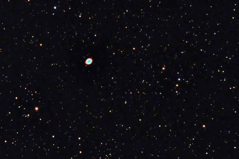 M57 - Skywatcher 130/650, EQ2, Canon 350D full spectrum, neodymium filter, ISO 800, cca. 50x20s - výřez předchozího snímku