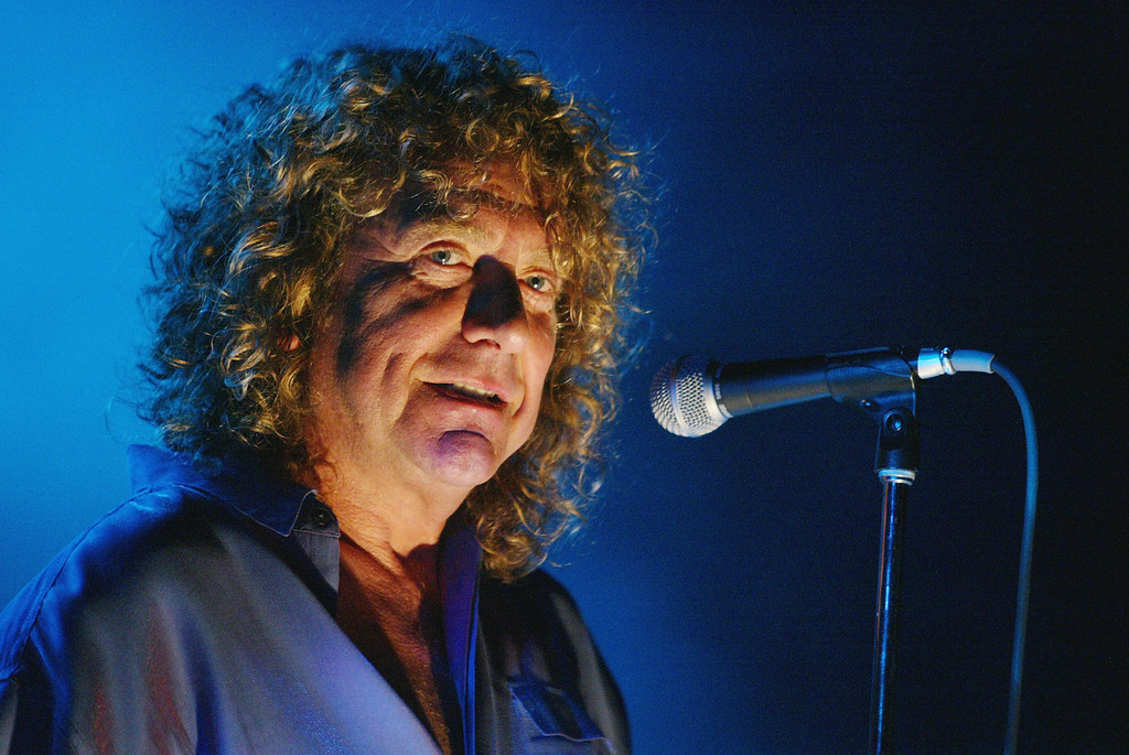 . Robert Plant performs at the Greek Theatre in Los Angeles, Ca. Thursday, Sept. 12, 2002. Photo by Kevin Winter/ImageDirect.