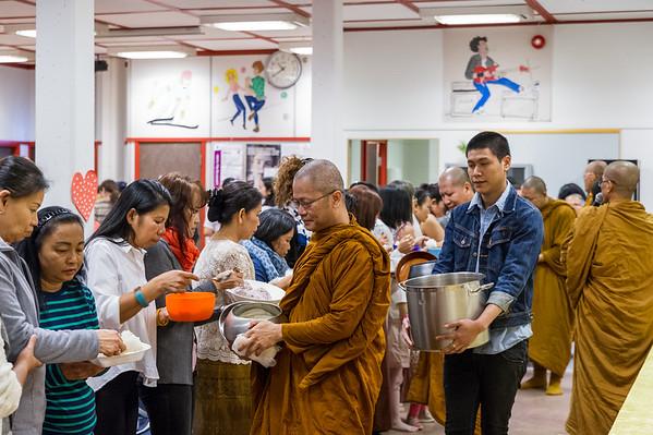 Thai templet har samling på Huseby skolen