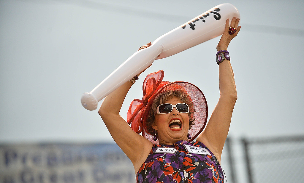 ". ""Gert the Flirt\"" cheers as the St. Paul Saints play their last game at Midway Stadium. (Pioneer Press: Ben Garvin)"