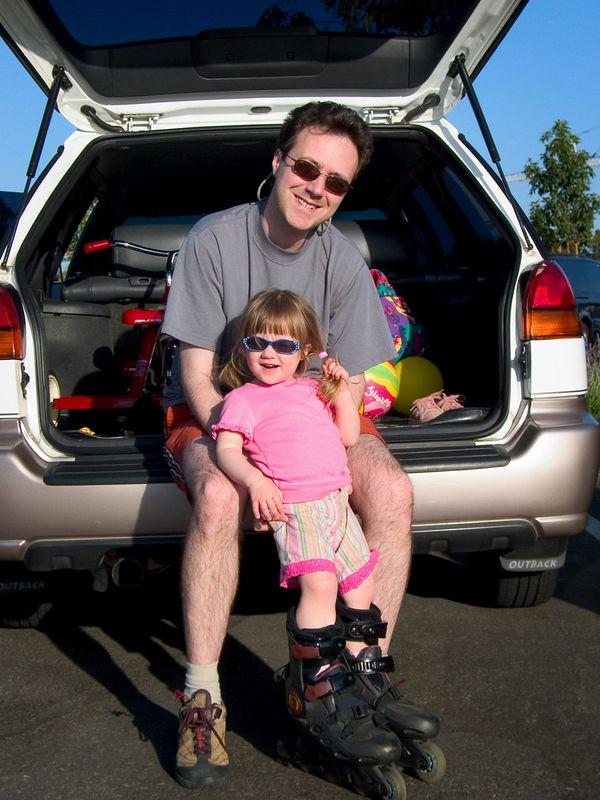 4/26 - Whatever we do, Lili wants to do, Like rollerblading around Lake Miramar.