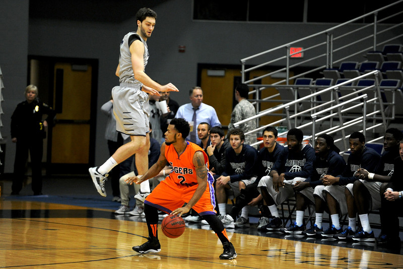 The University of North Florida Ospreys took on the Ed White College Tigers at the UNF arena on 02 December 2013.