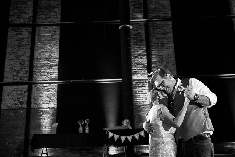 Butler_Wedding_Photography_The_Millbottom_Jefferson_City_MO_-32.jpg