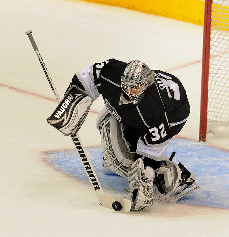 . Kings#32 Jonathan Quick makes a save in the first period. The Kings played the San Jose Sharks during the first game in the Second Round of the Western Conference Playoffs. Los Angeles CA 5/14/2013(John McCoy/LA Daily News)