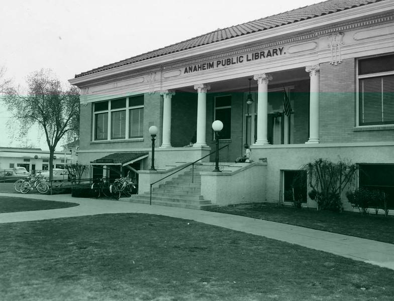 Anaheim-PublicLibrary-CarnegieBuilding-1960.jpg