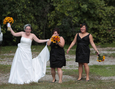 Arriving to Wedding